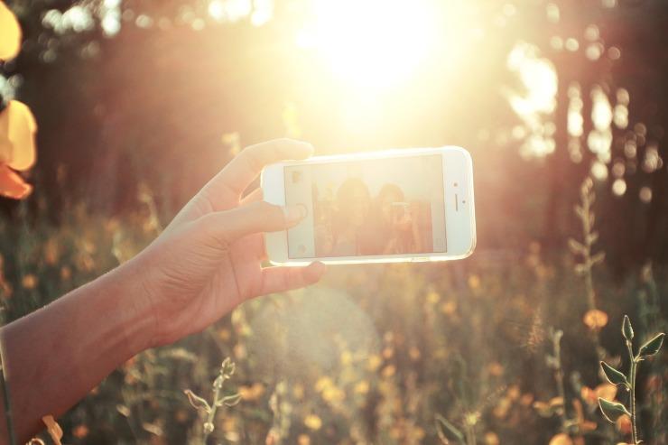 selfies-1149816_1920.jpg